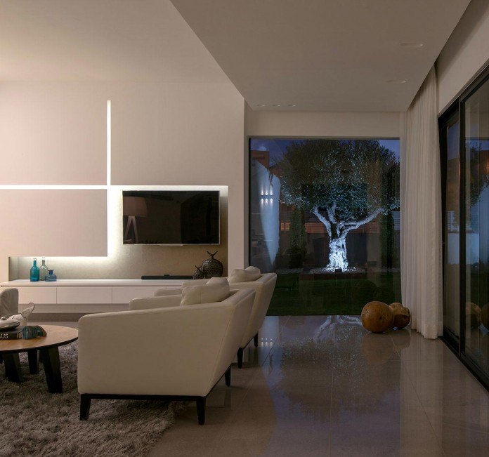 Minimalist-Home-in-Bat-Hadar-by-BLV-Design-Architecture-15