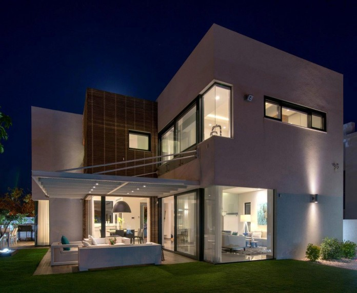 Minimalist-Home-in-Bat-Hadar-by-BLV-Design-Architecture-16