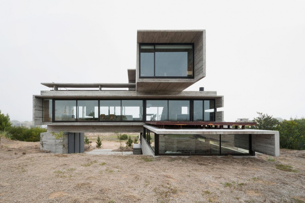 Modern concrete golf house by luciano kruk arquitectos - Punch home design architectural series 18 ...