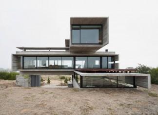 Modern Concrete Golf House by Luciano Kruk Arquitectos