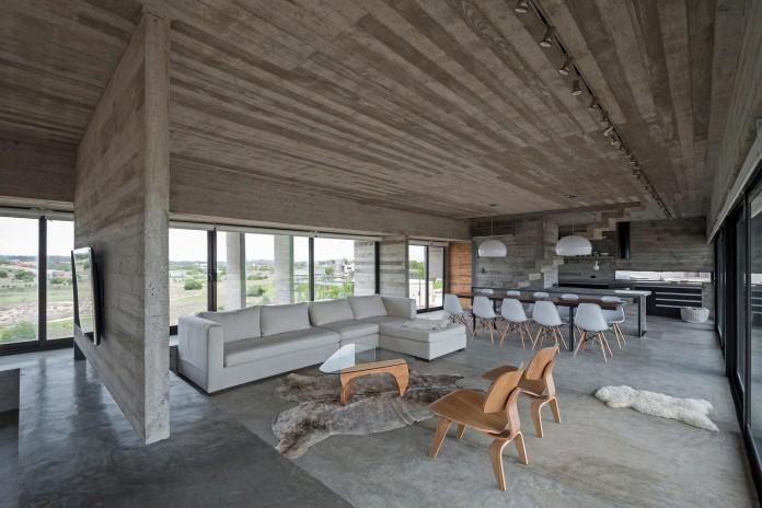 Modern-Concrete-Golf-House-by-Luciano-Kruk-Arquitectos-08