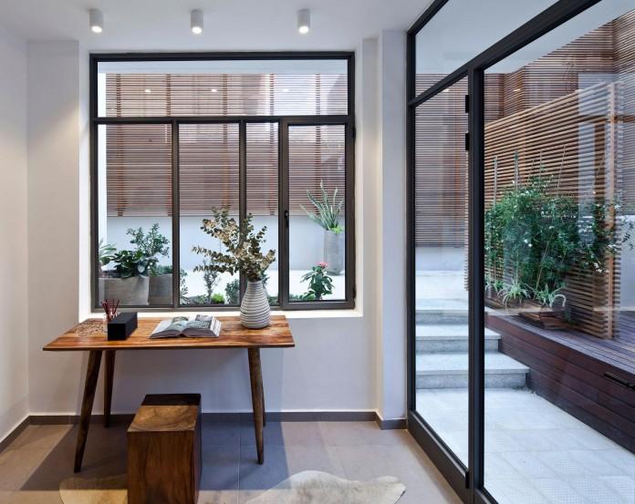 Modern-Garden-Apartment-in-Tel-Aviv-by-BLV-Design-Architecture-01