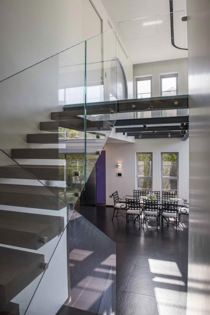 Modern-Minimalistic-and-Clear-in-Tel-Aviv-by-Martin-Kesel-Architects-15