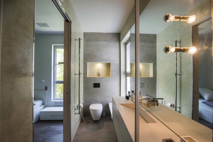 Modern-Minimalistic-and-Clear-in-Tel-Aviv-by-Martin-Kesel-Architects-21