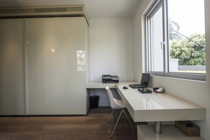 Modern-Minimalistic-and-Clear-in-Tel-Aviv-by-Martin-Kesel-Architects-33