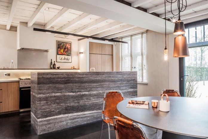 Old-farm-converted-into-modern-Project-B-by-Juma-Architects-10