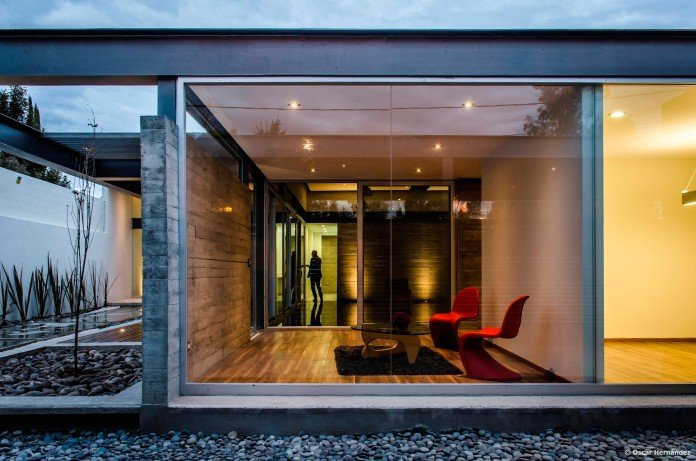 One-Story-Contemporary-TCH-House-by-Arkylab-03