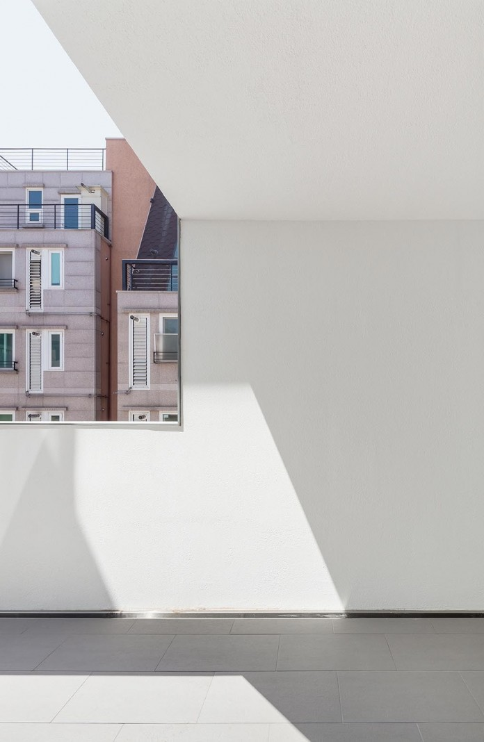Open&Closed-Residence-by-OBBA-03