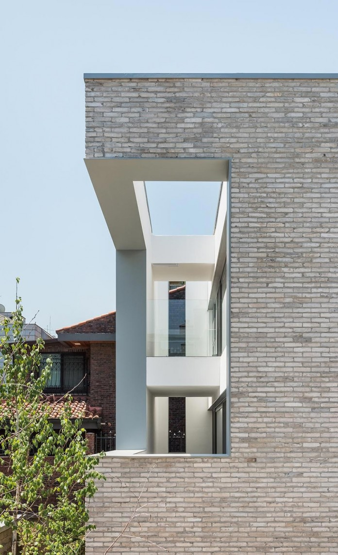 Open&Closed-Residence-by-OBBA-05