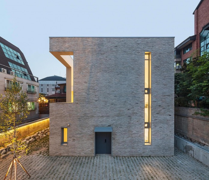 Open&Closed-Residence-by-OBBA-17