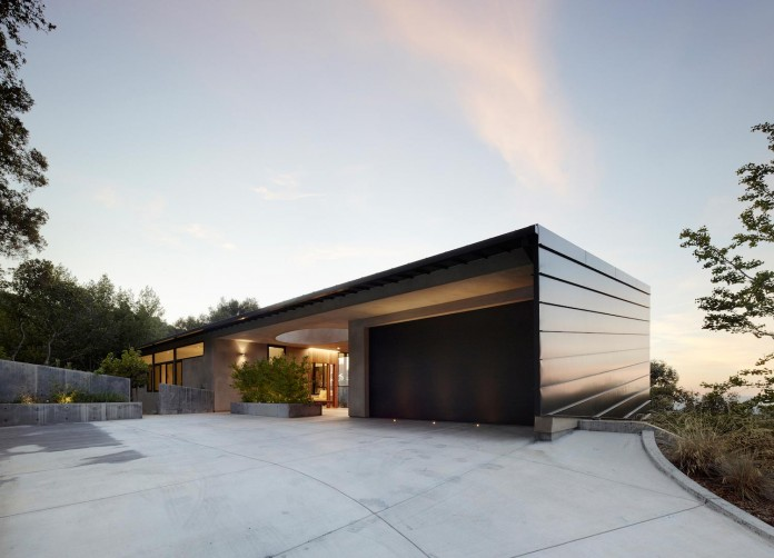 Overlook-One-story-Guest-House-by-Schwartz-and-Architecture-09