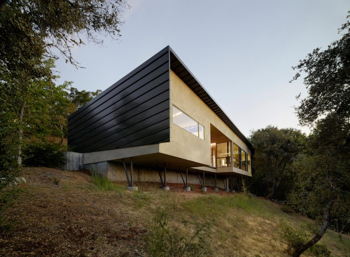 Overlook-One-story-Guest-House-by-Schwartz-and-Architecture-11