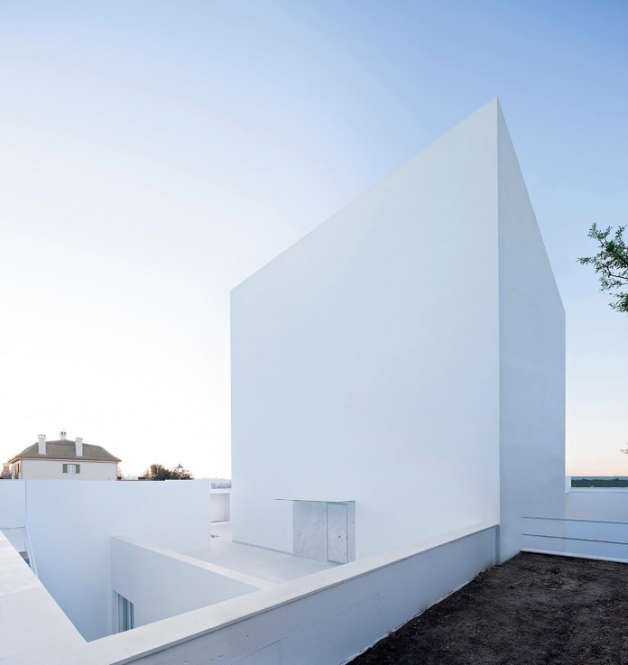 Raumplan-House-by-Alberto-Campo-Baeza-01
