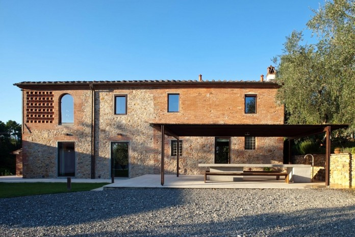 Renovation-of-a-19th-century-old-country-house-in-Lucca-by-MIDE-architetti-03