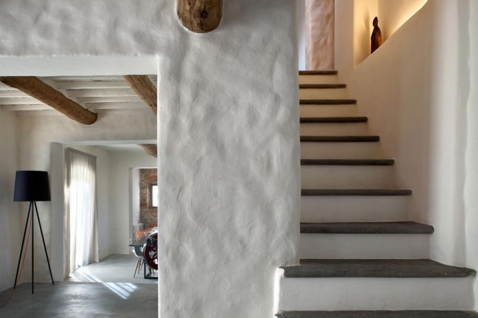 Renovation-of-a-19th-century-old-country-house-in-Lucca-by-MIDE-architetti-10