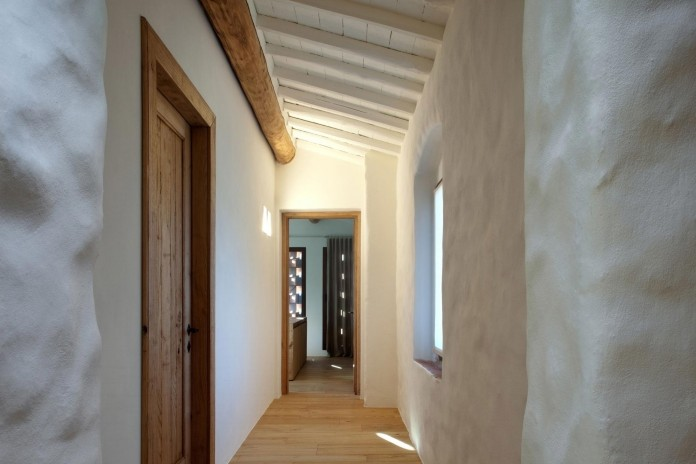 Renovation-of-a-19th-century-old-country-house-in-Lucca-by-MIDE-architetti-12