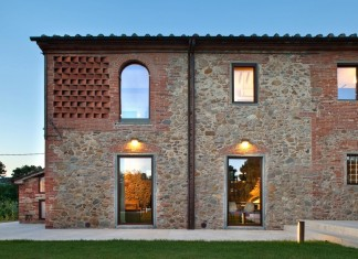 Renovation of a 19th century old country house in Lucca by MIDE architetti