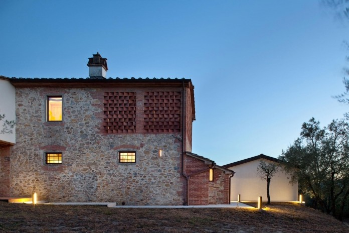 Renovation-of-a-19th-century-old-country-house-in-Lucca-by-MIDE-architetti-21