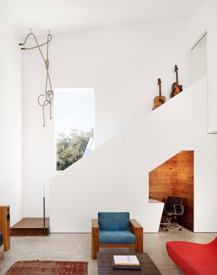Renovation-of-an-old-bungalow-into-contemporary-Hillside-Residence-by-Alterstudio-Architecture-09