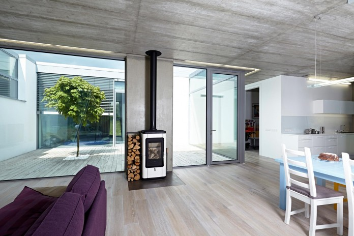 Ring-Shaped-Low-Energy-Family-Home-by-Caraa-17
