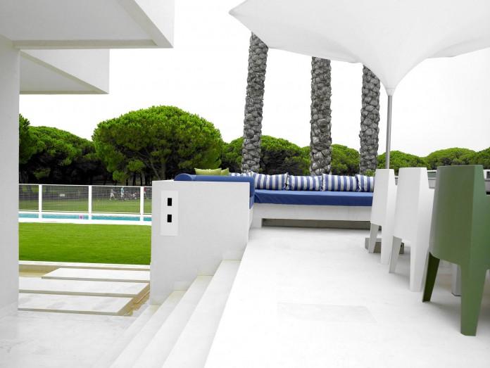 Sancti-Petri-Private-House-by-Teresa-Sapey-Estudio-04