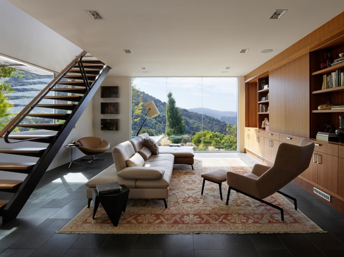 Show-Sugi-Ban-House-in-Los-Gatos-by-Schwartz-and-Architecture-07