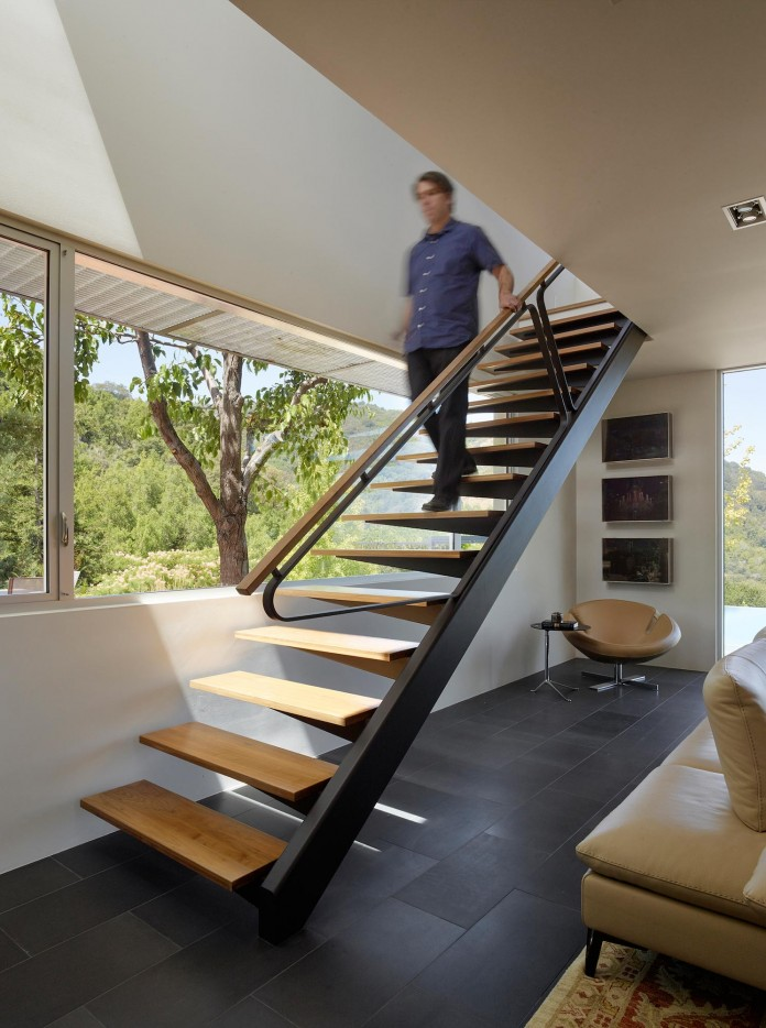 Show-Sugi-Ban-House-in-Los-Gatos-by-Schwartz-and-Architecture-09