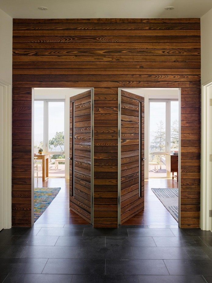 Show-Sugi-Ban-House-in-Los-Gatos-by-Schwartz-and-Architecture-13
