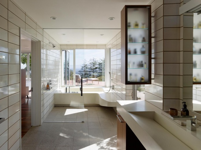 Show-Sugi-Ban-House-in-Los-Gatos-by-Schwartz-and-Architecture-17