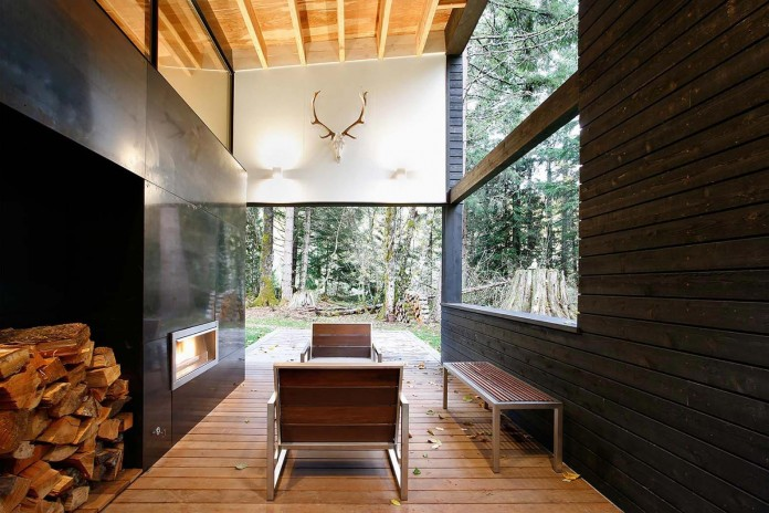 Small-Courtyard-House-on-White-River-by-Robert-Hutchison-Architect-15