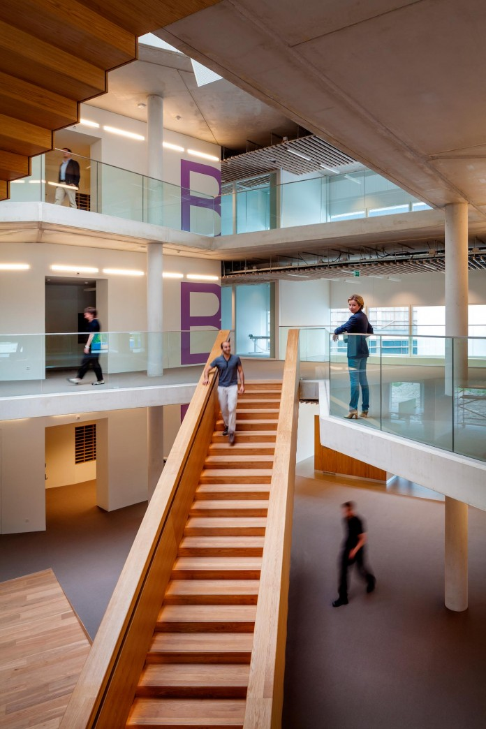 Tetra-Office-Building-for-the-Research-Institute-Deltares-by-Jeanne-Dekkers-Architectuur-07