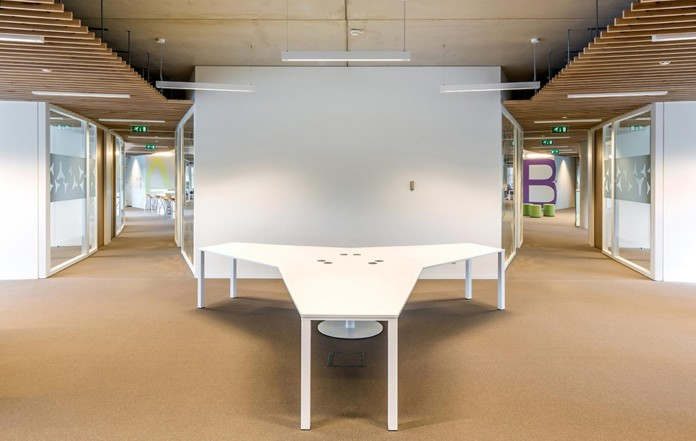 Tetra-Office-Building-for-the-Research-Institute-Deltares-by-Jeanne-Dekkers-Architectuur-12