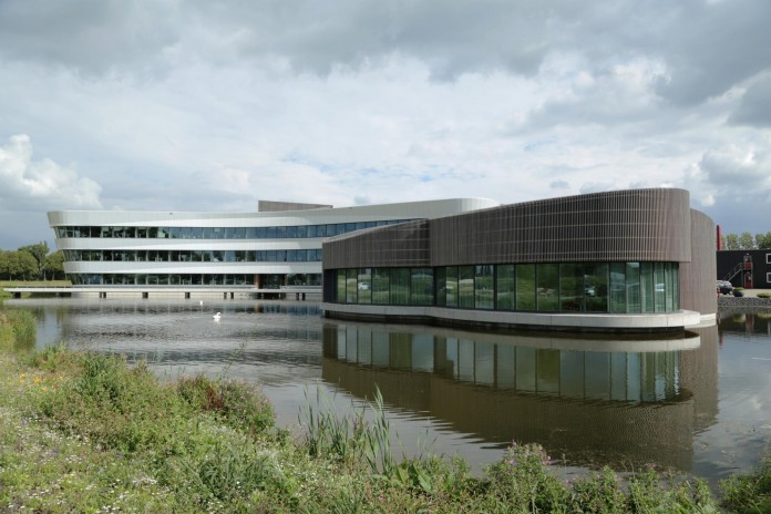 Tetra-Office-Building-for-the-Research-Institute-Deltares-by-Jeanne-Dekkers-Architectuur-16
