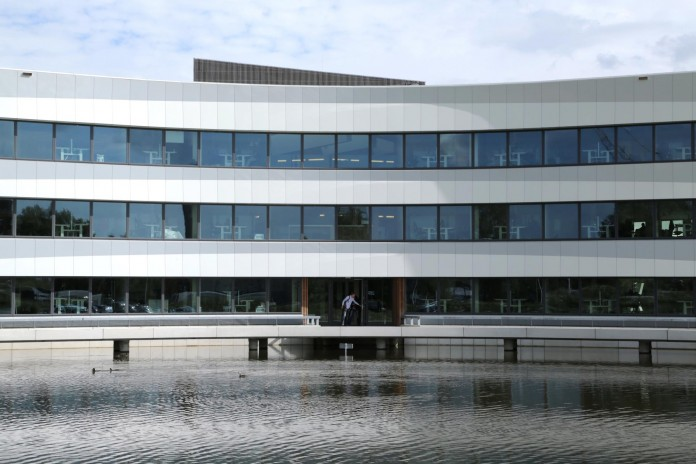 Tetra-Office-Building-for-the-Research-Institute-Deltares-by-Jeanne-Dekkers-Architectuur-20