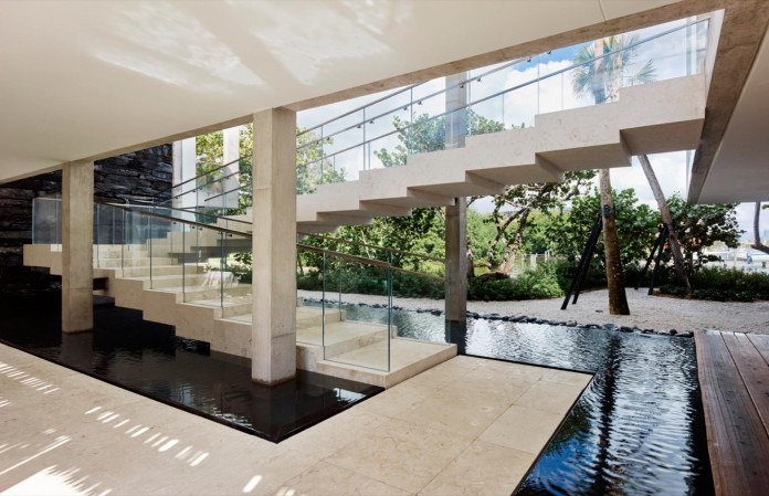 Tropical-Bahia-Villa-Retreat-in-the-Heart-of-Miami-by-Alejandro-Landes-07