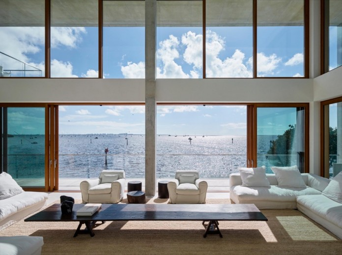 Tropical-Bahia-Villa-Retreat-in-the-Heart-of-Miami-by-Alejandro-Landes-16
