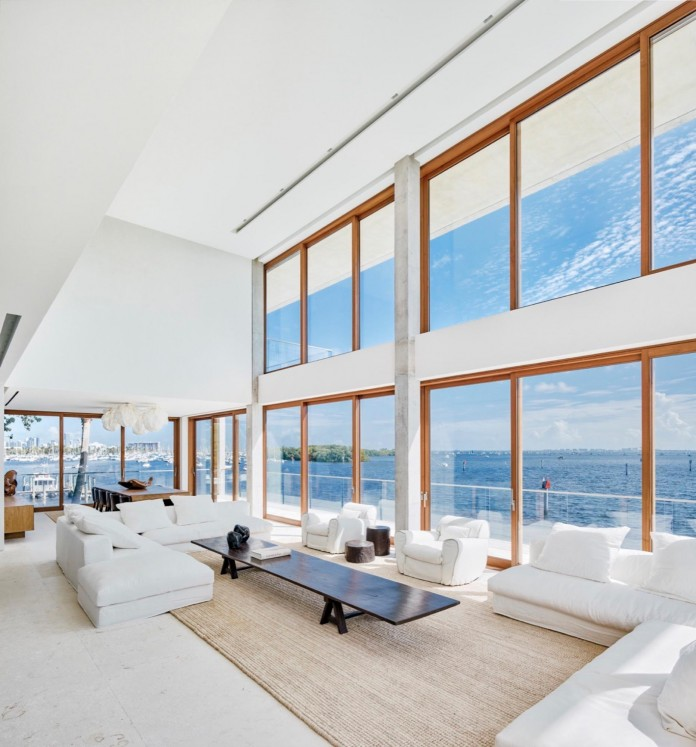 Tropical-Bahia-Villa-Retreat-in-the-Heart-of-Miami-by-Alejandro-Landes-17