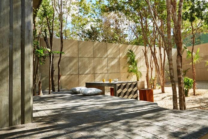 Tropical-Caribbean-T-House-by-Studio-Arquitectos-06