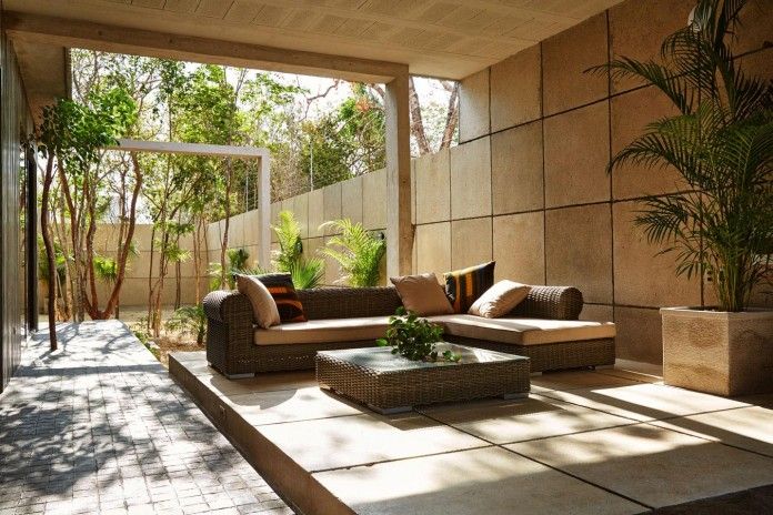 Tropical-Caribbean-T-House-by-Studio-Arquitectos-13