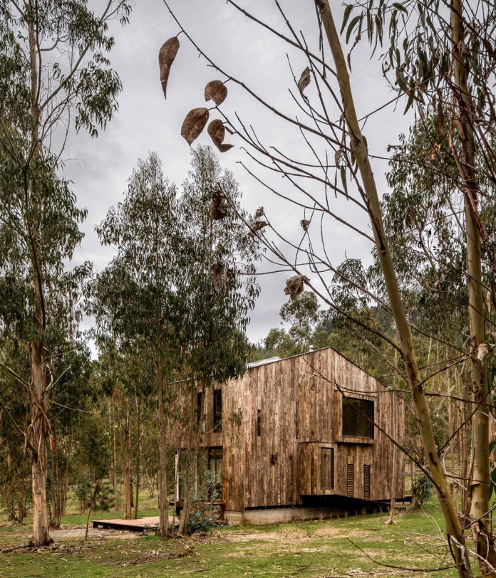 Tunquen-Wooden-Weekend-Home-by-DX-Arquitectos-02