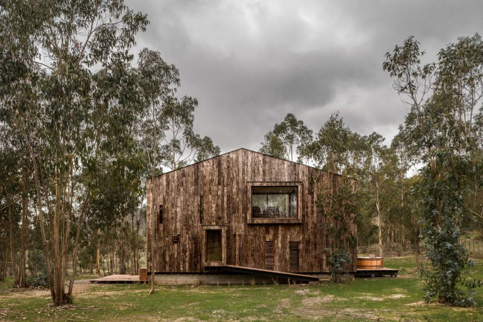 Tunquen-Wooden-Weekend-Home-by-DX-Arquitectos-04