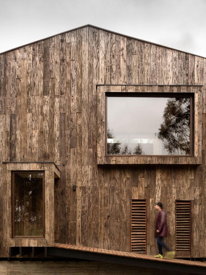 Tunquen-Wooden-Weekend-Home-by-DX-Arquitectos-06