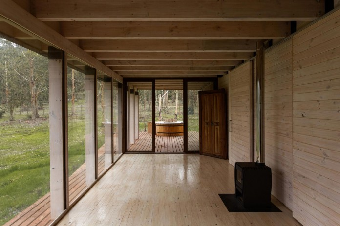 Tunquen-Wooden-Weekend-Home-by-DX-Arquitectos-09