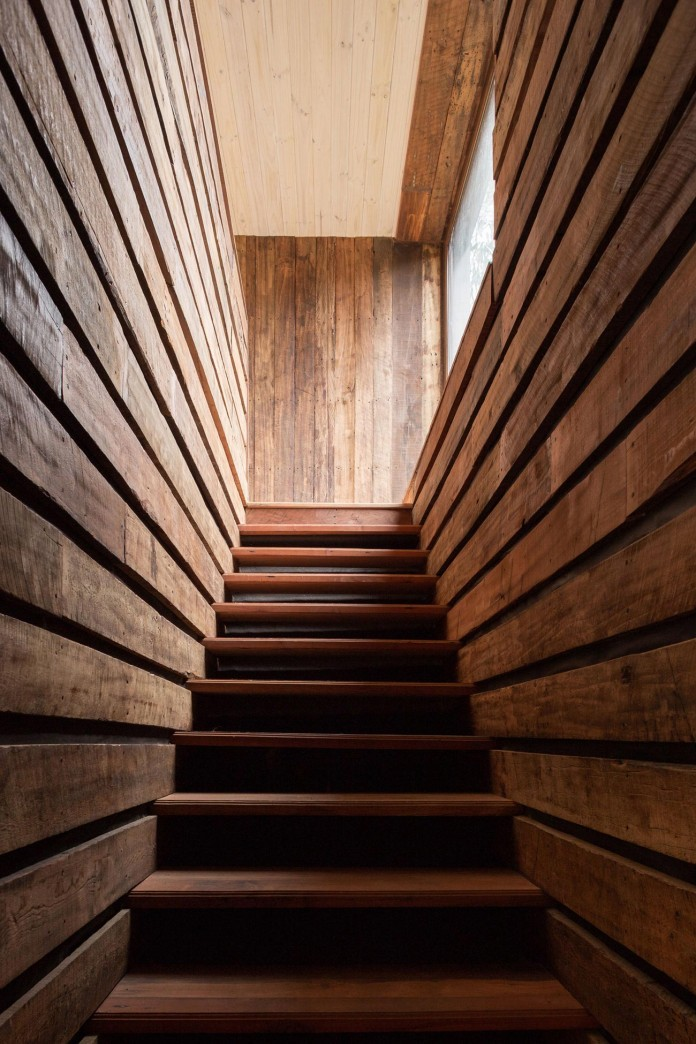 Tunquen-Wooden-Weekend-Home-by-DX-Arquitectos-10