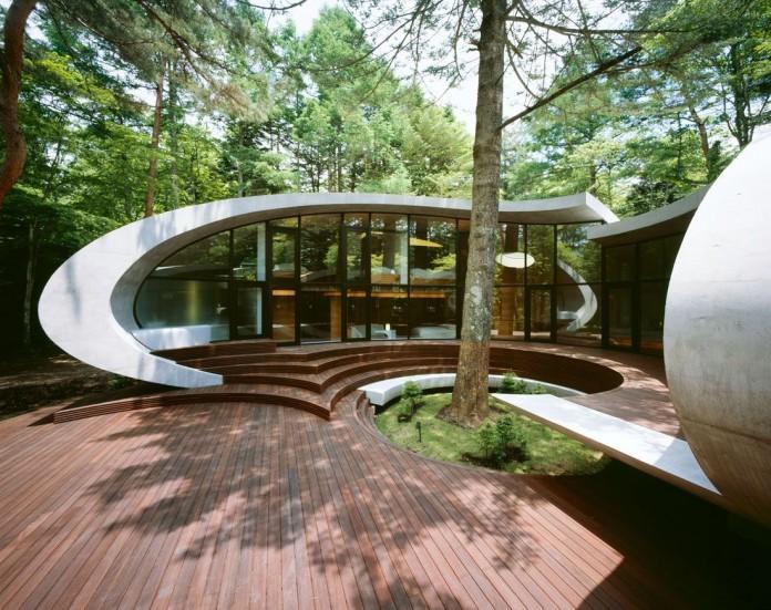 Ultramodern-Shell-Residence-15