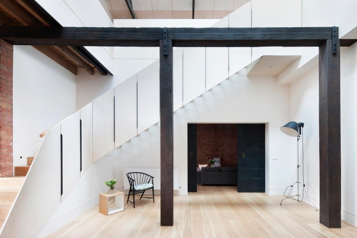 Warehouse-Converted-into-Water-Factory-Residence-in-Fitzroy-by-Andrew-Simpson-Architects-03