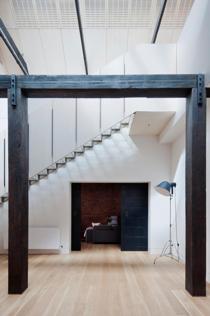 Warehouse-Converted-into-Water-Factory-Residence-in-Fitzroy-by-Andrew-Simpson-Architects-05