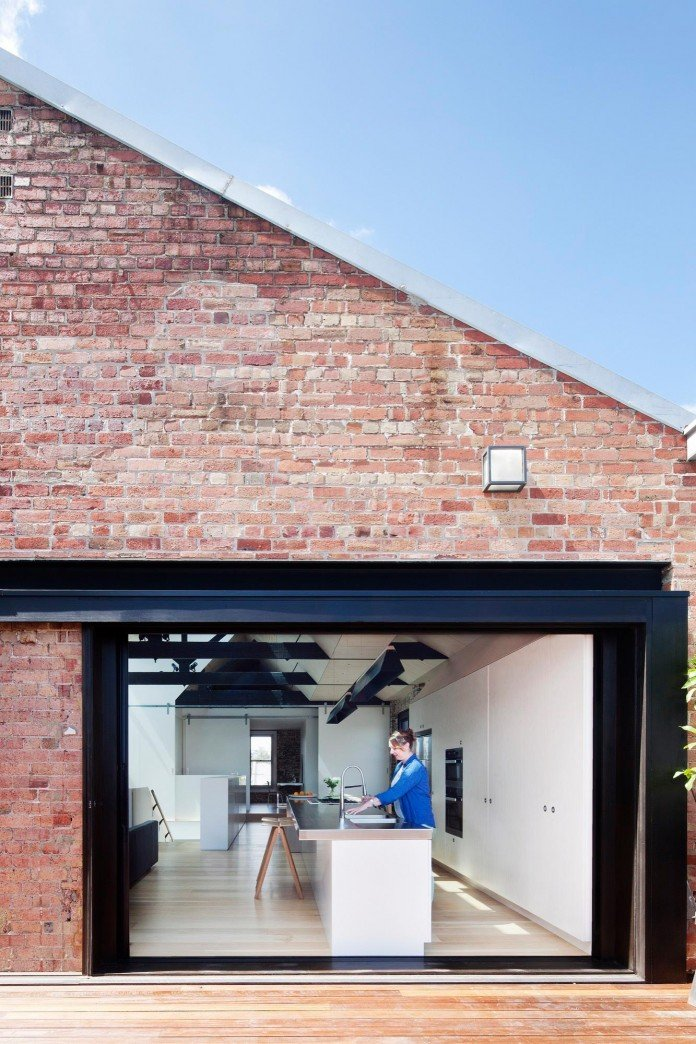 Warehouse-Converted-into-Water-Factory-Residence-in-Fitzroy-by-Andrew-Simpson-Architects-06