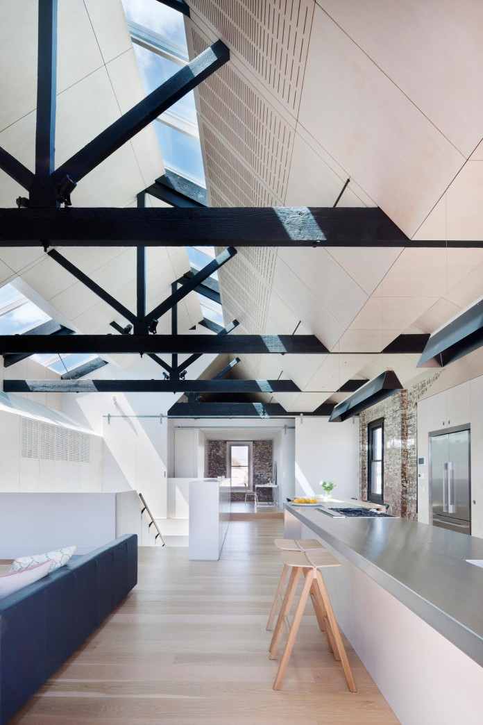Warehouse-Converted-into-Water-Factory-Residence-in-Fitzroy-by-Andrew-Simpson-Architects-07