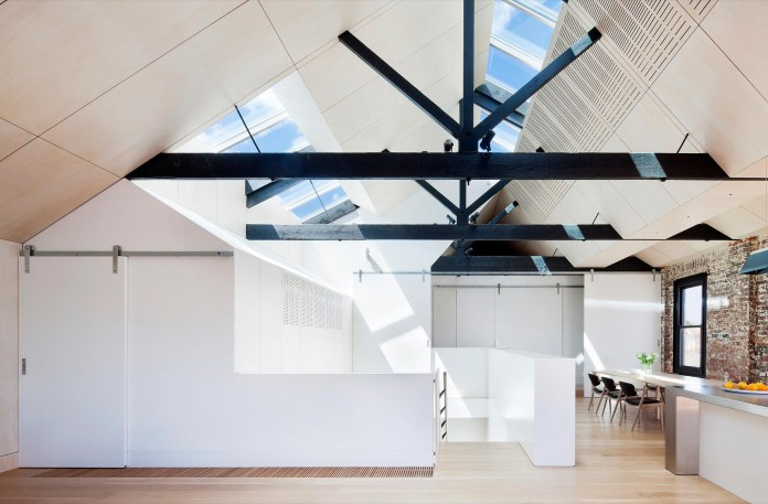 Warehouse-Converted-into-Water-Factory-Residence-in-Fitzroy-by-Andrew-Simpson-Architects-08